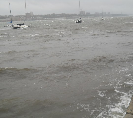 nyc and hurricane sandy reaches the hudson
