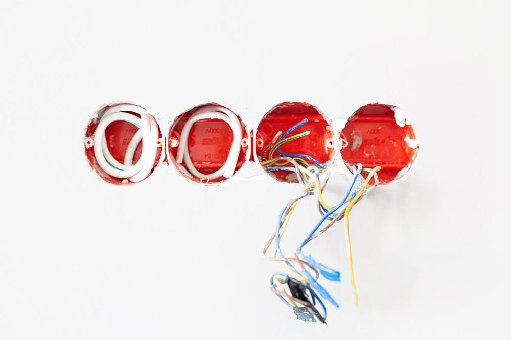 medium resolution of if you currently live in an old house or are planning to move into one it s crucial for you to assess your electrical wiring system