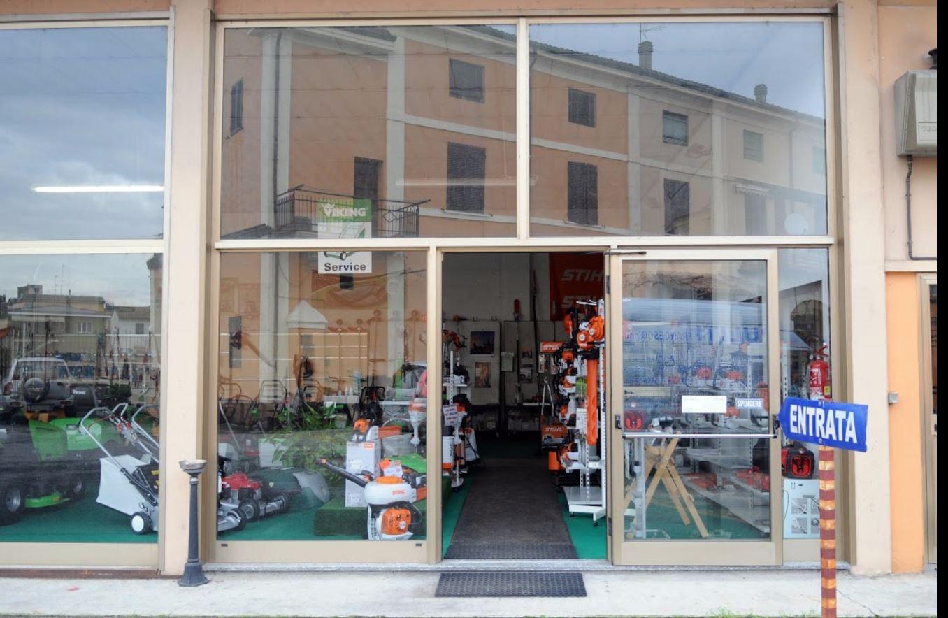 Giardinaggio Cremona  Giardinaggio Macchine ed Attrezzi di Puliti Francesco