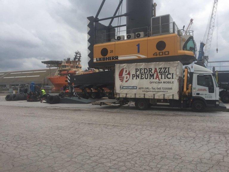 Autocarri e carrelli industriali  Verona Affi  Pedrazzi Pneumatici