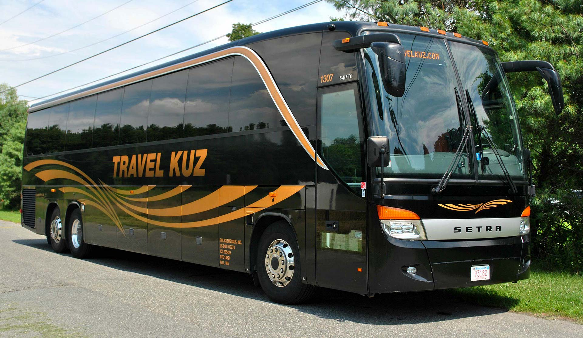Travel Kuz Motor Coach Limousine And School Bus Charters