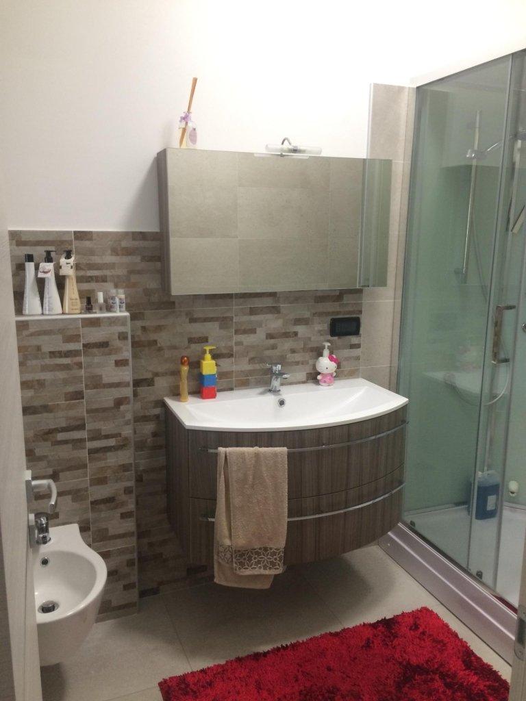 Ristruttrazione alloggi e bagni arredo bagno pavimenti  Nichelino Moncalieri Torino  De