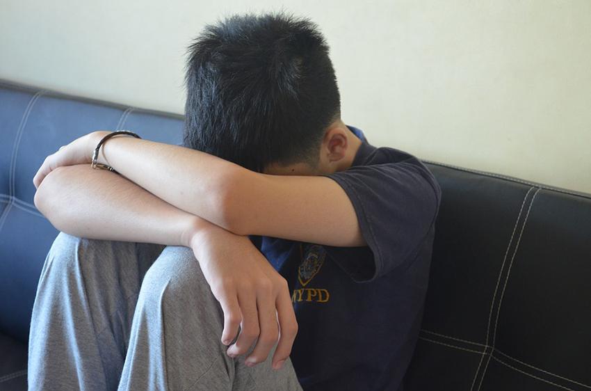 بررسي ها نشان مي دهد كه طرد كردن خانواده ها با خودآزاري  در افراد دگرجنسگونه در ارتباط است