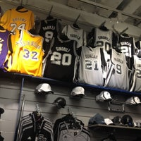 Lids Locker Room  San Antonio TX