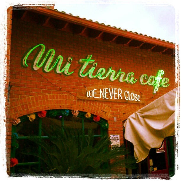 Mi Tierra Caf Y Panadera At 218 Produce Row San Antonio TX