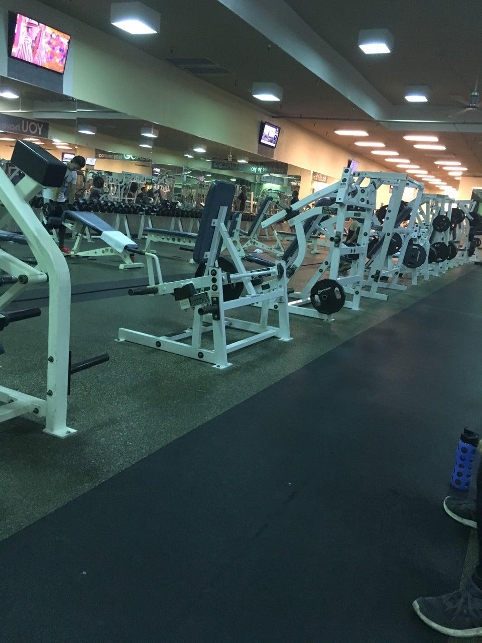 24 Hour Fitness Bellflower : fitness, bellflower, Fitness, Beach, Reviews,, Photos, Altos, GayCities