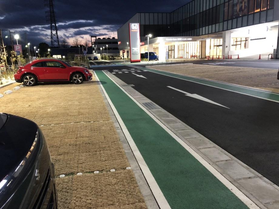 羽村市のスシローの駐車場1