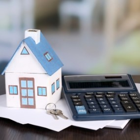 Calculate the average cost to move home