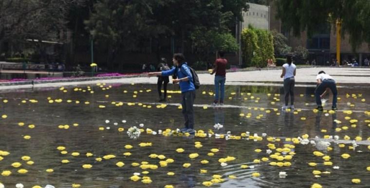 Homenaje-a-Graciela-y-Sol-catedrática-y-estudiante-de-la-UNAM-asesinadas-FOTO-Jose-M-Ruiz-9-768x391