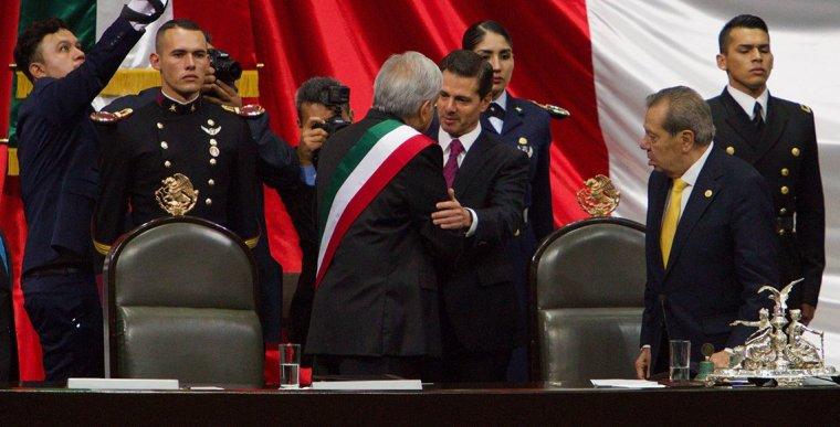 López-Obrador-Peña-Nieto-toma-de-posesión-_CM_0428-9
