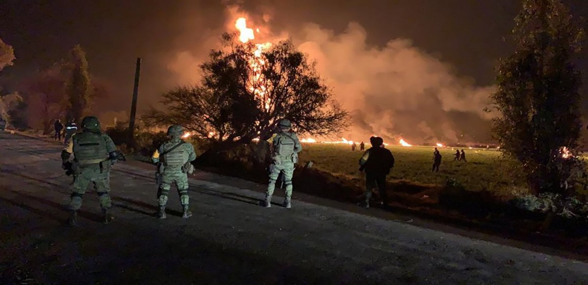 Explosión en Tlalhuelilpan, Hidalgo fue por toma clandestina; se reportan hasta el momento 20 muertos