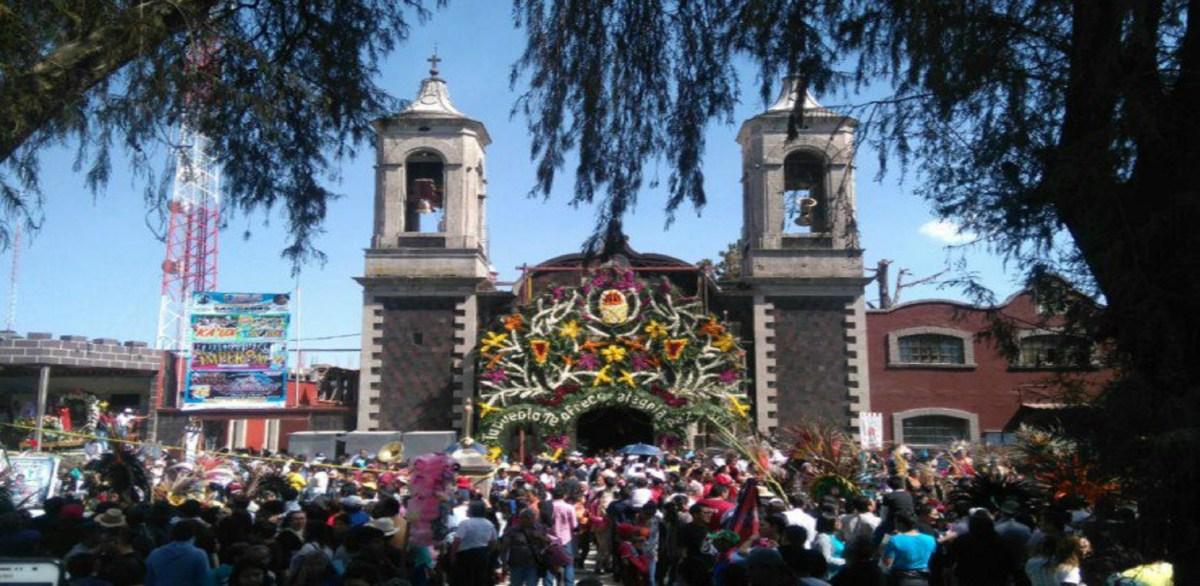 Peregrinación avanza sobre carretera México-Toluca haciala Basílica