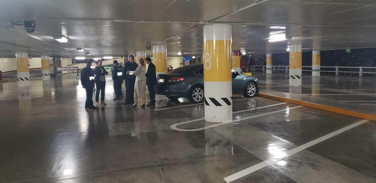 Robo en estacionamiento de Galerías Insurgentes