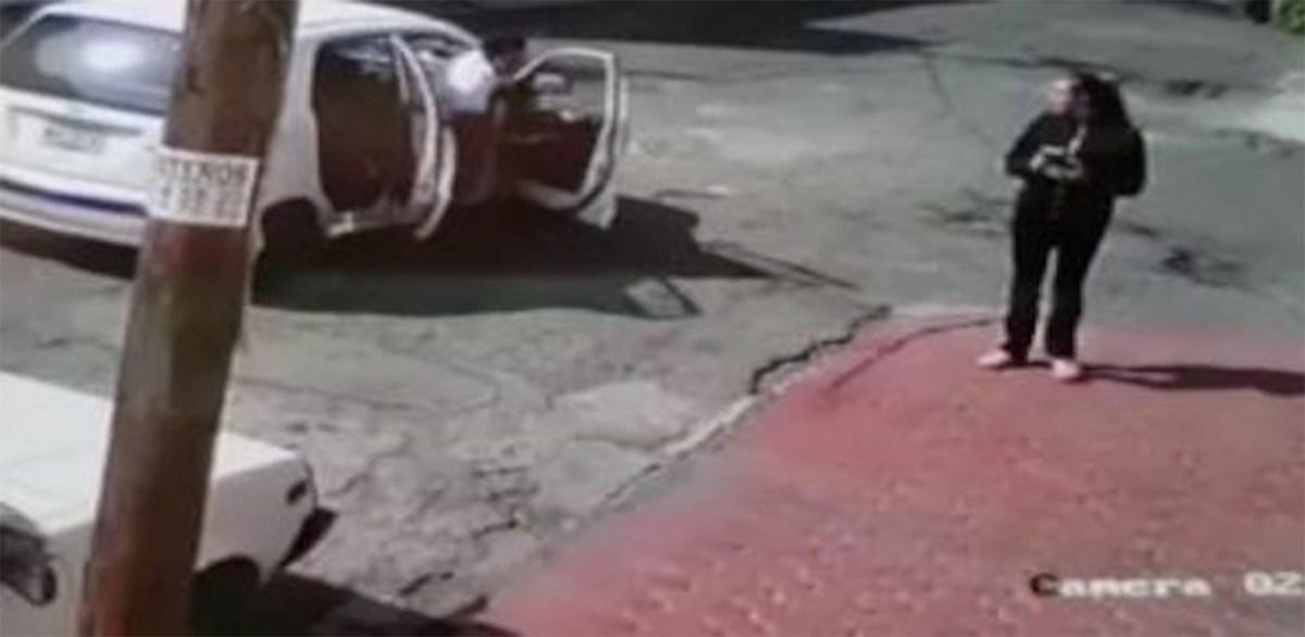 Cámara de seguridad capta intento de secuestro en Ecatepec, Edomex