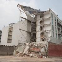 Palomea edificios colapsados  y  le dan cargo en gobierno de  CDMX