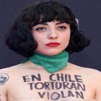 El mensaje de Mon Laferte en los Latin Grammy