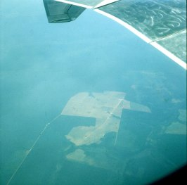 amazonas-seltene freiflächen mit flugfeld