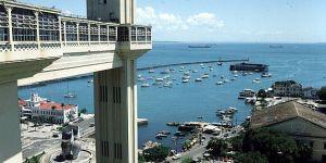 bahia-blick von oberstadt auf hafen