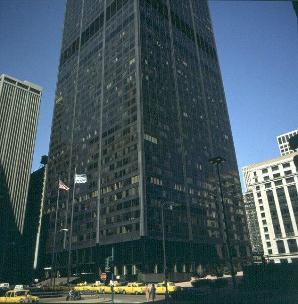 chicago-sears-tower-unten