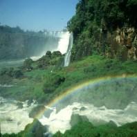 iguazu-falls-regenbogen