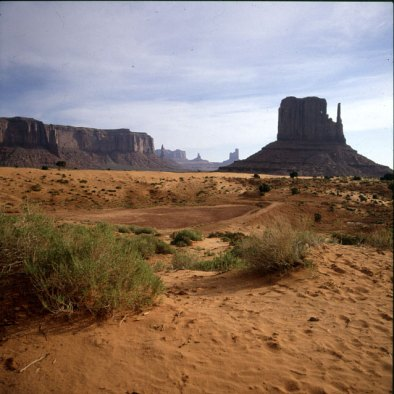 monument-valley-artistspoint