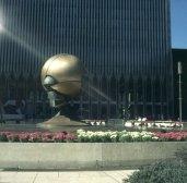new-york-Globus (dtsch)) vor WTC 1983