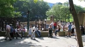 new-york-Kinderspielplatz am Centralpark 2003