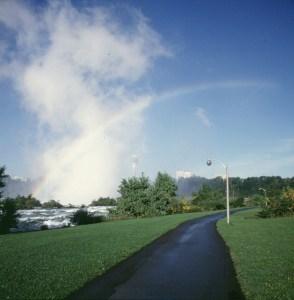 niagara-falls-morgen-weg