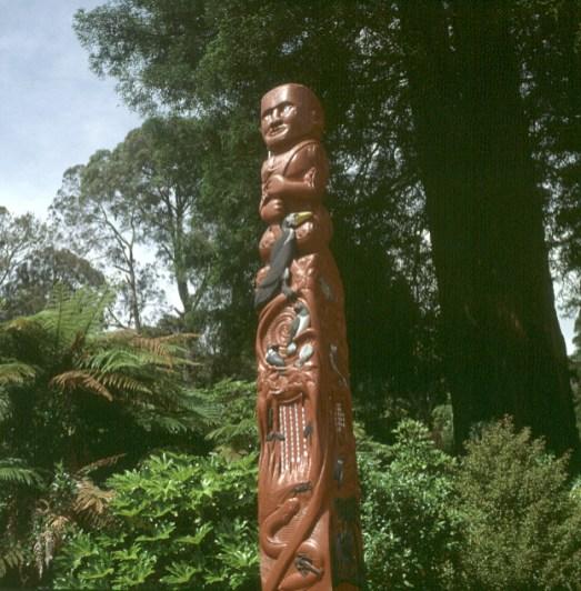 neuseeland-rotorua-fetischsaeule 2001