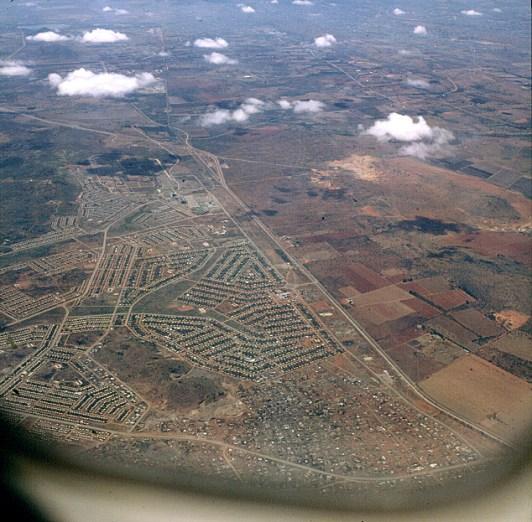 suedafrika-Anflug auf Johannisburg 1980