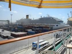 Traumschiff Casablanca- Containerhafen Notkai 2012