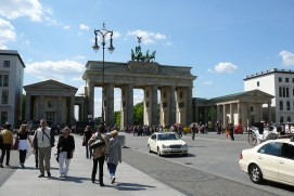 berlin-brandburger-tor-linden