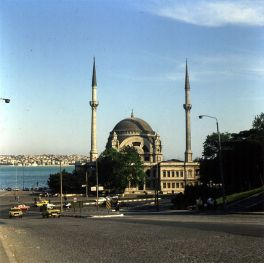 stanbul-dolmabahce-moschee