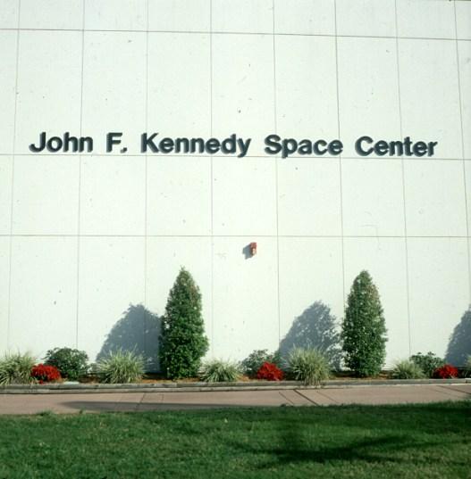Kennedy-Spacecenter-Eingangswand