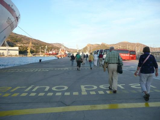 Traumschiff Madeira-kanaren-hafenkai-2012