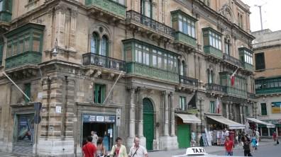 malta-city-balkone