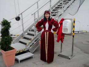 baltikum tallin-begruessungsgirl 2015