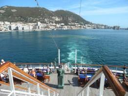 Traumschiff tanger-gibraltar-auslaufen-2012