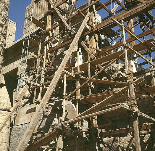 Karnak -3.Pylon Brgung der Füllsteine