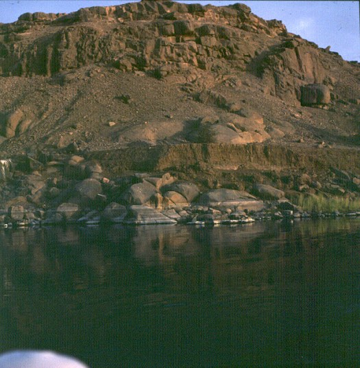 Assuan-12m-Nilflutschlamm
