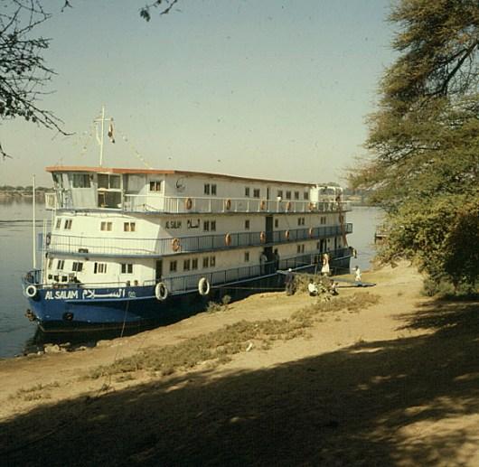Edfu-Kreuzfahrtschiff