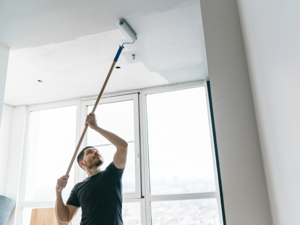 How To Paint A Ceiling With Less Mess In 4 Easy To Follow Steps