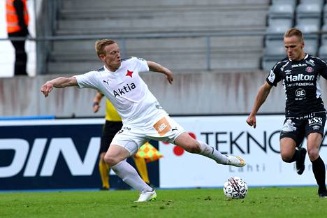 Mikael Forssell in the last season of his active career 2017 in a HIFK shirt.
