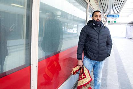 Amir Abdurahman, who lives in Pukinmäki, finds it a problem that he does not dare to tell others about the infection.