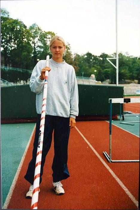 Birgitta Schumacher, the pioneer of the Finnish women's pole vault, was on the edge of a sports field at the age of 15 in 1994.