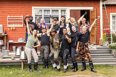 Farmi Finland participants (top left) Pasto Pike, Pia Nykänen, Sauli Koskinen, Uniikki, Sanna Ukkola, Mikael Jungner and (bottom left) Noora Toivo, Timo Lavikainen, Janne Ahonen, Minttu Kaulanen, Tuuli and Anni Harjunpää.