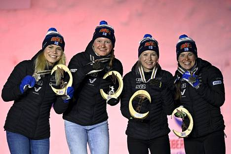 The bronze quartet Jasmi Joensuu (left), Johanna Matintalo, Riitta-Liisa Roponen and Krista Pärmäkoski, who made the women's sensational surprise.