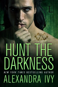 Hunt the Darkness - Alexandra Ivy pdf download