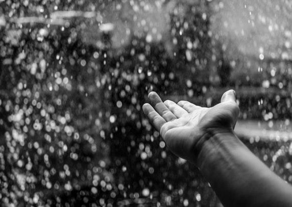 Tips Berwisata Aman Selama Musim Hujan