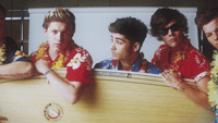 Download lagu One Direction - Kiss You
